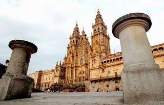Governo galego considera português a par do inglês