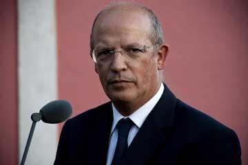 Santos Silva adiantou que a recepção provisória do segundo submarino comprado à Alemanha terá lugar a 22 de Dezembro
