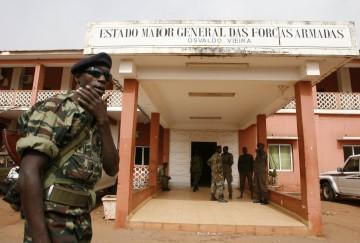 Os militares mantêm forte influência nos destinos da Guiné-Bissau