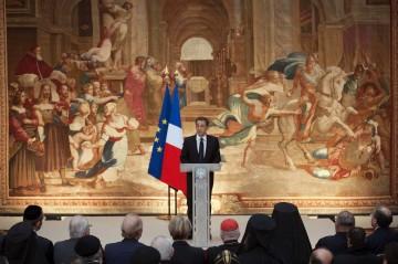 Sarkozy criticou violência contra comunidades cristãs