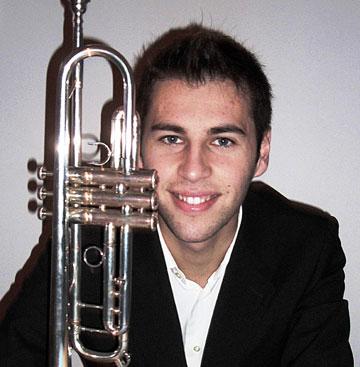 Pedro silva, trompetista na orquestra do Youtube