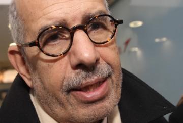 Mohamed ElBaradei chegou ao Cairo na sexta-feira