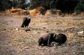 Criança sudanesa que deu Pulitzer ao fotógrafo Kevin Carter sobreviveu ao abutre