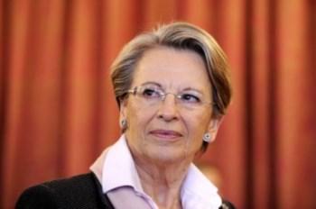 """A ministra garantiu não ter cometido """"nenhuma falha"""""""