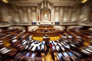 O Parlamento pôs um fim no decreto do Governo de reorganização curricular