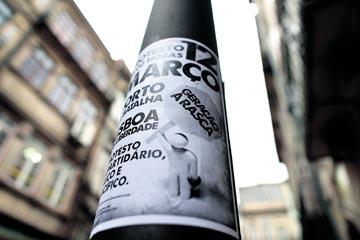 artazes anunciando a manifestação foram colados ontem no Porto