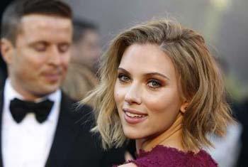 Hackers conseguiram aceder ao iPhone de Scarlett e roubar-lhe uma fotografia em que ela aparece totalmente nua