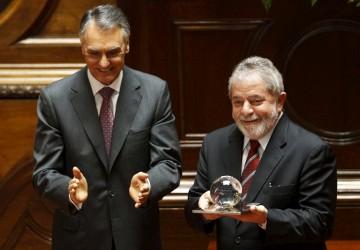 Lula recebeu das mãos de Cavaco Silva o Prémio Norte-Sul 2010