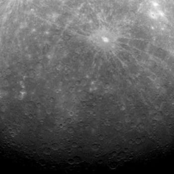 As duas crateras e o Sul de Mercúrio foram capturados pela Messenger