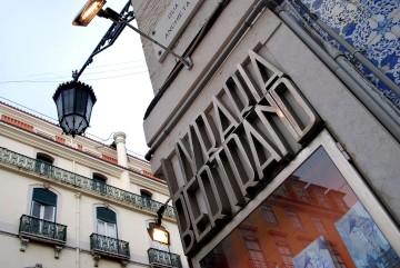 A livraria Bertrand do Chiado está em funcionamento desde 1732