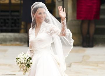 """Nuno Baltazar acredita que este vestido, """"completamente intemporal"""", vai ditar tendência"""