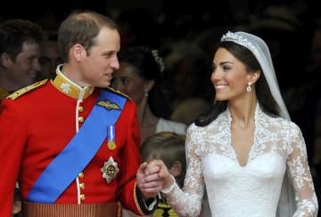 OS recém-casados a caminho do Palácio Buckingham