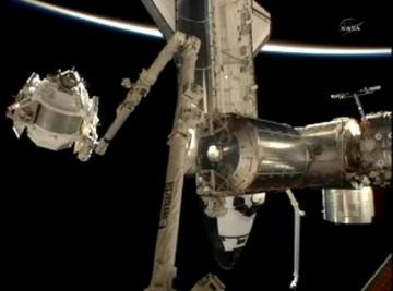 O AMS-2 a ser transportado para a ISS