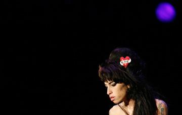 Amy Winehouse, a morte de uma estrela à muito cadente