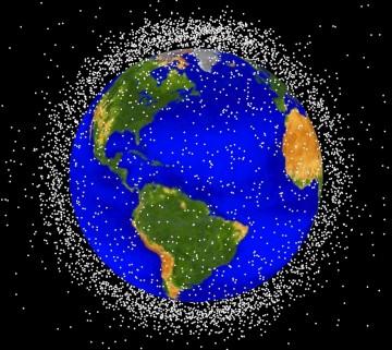 Os objectos que existem nas órbitas mais próximas da Terra