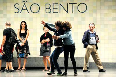 Performers na estação de São Bento