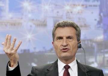 """Oettinger defendeu que as bandeiras dos """"pecadores da dívida deveria ser postas a meia haste"""""""