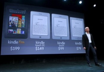 Jeff Bezos na apresentação da nova linha de Kindles