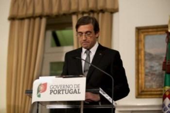 <p>Passos Coelho falou ao país após um conselho de ministros que durou cerca de 10 horas</p>