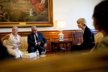 A presidente da Assembleia da República recebeu ontem António Costa