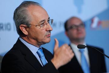 """""""Por favor, altere-se esta orgânica de Governo"""", diz Rui Rio"""