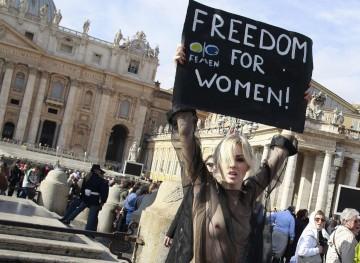 Protesto na praça de São Pedro, no Vaticano
