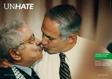 Papa a dar um beijo a Safwad Hagazi, imã do Cairo