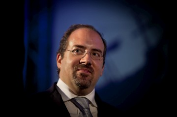 """<p>Santos Pereira diz que o """"diálogo social é muito importante""""</p>"""
