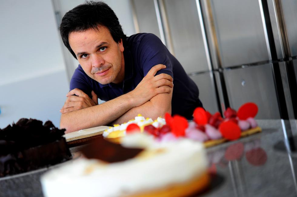 José Augusto Moreira levou-nos pelas palavras a provar a gastronomia doce de Francisco Gomes e do seu ateliê. Aqui Paulo Pimenta mostra-nos as criações em fotos de ficar de água na boca. Leia a reportagem em http://fugas.publico.pt/283939