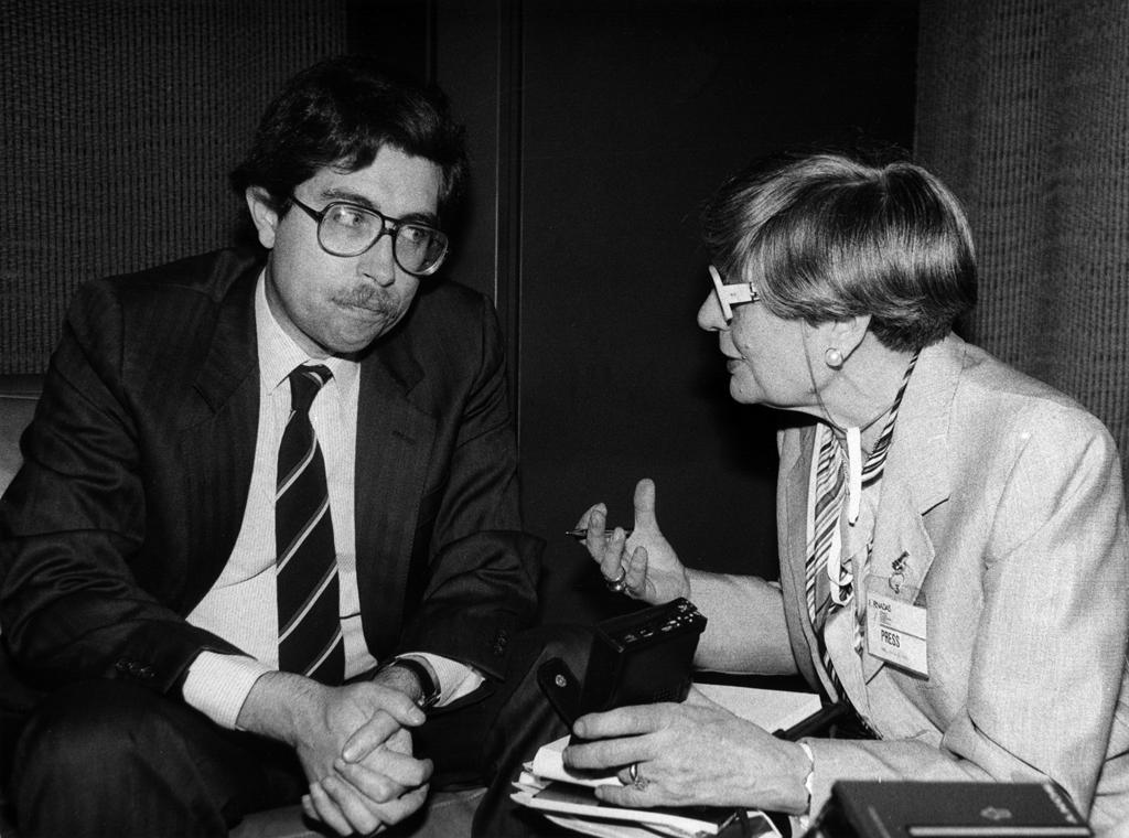 José Mariano Gago nas  Jornadas Nacionais de Investigação Científica e Tecnológica, em 1987