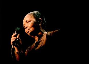 Musicas só Angolanas - Página 11 365414?tp=UH&db=IMAGENS&w=350&t=1324172487,03427