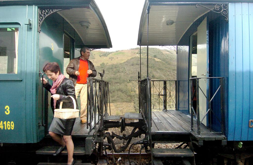 Comboio está operacional e estava destinado à Linha do Vouga