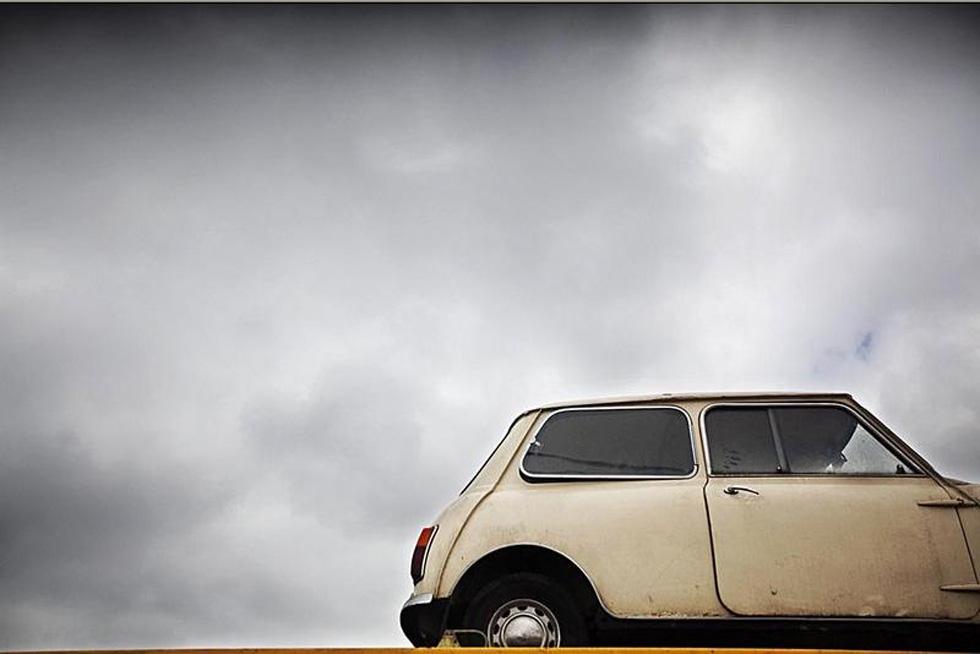 Automobilia, histórias com rodas e ferrugem