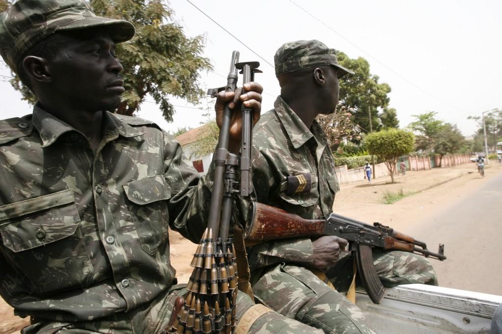 Movimentações militares confirmam instabilidade