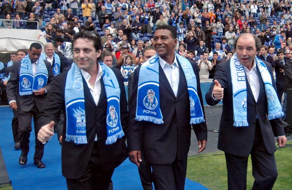 Futre numa homenagem a ex-jogadores do Porto, em 2007