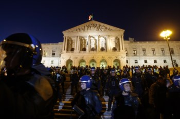 Metade dos Portugueses não acredita na Democracia