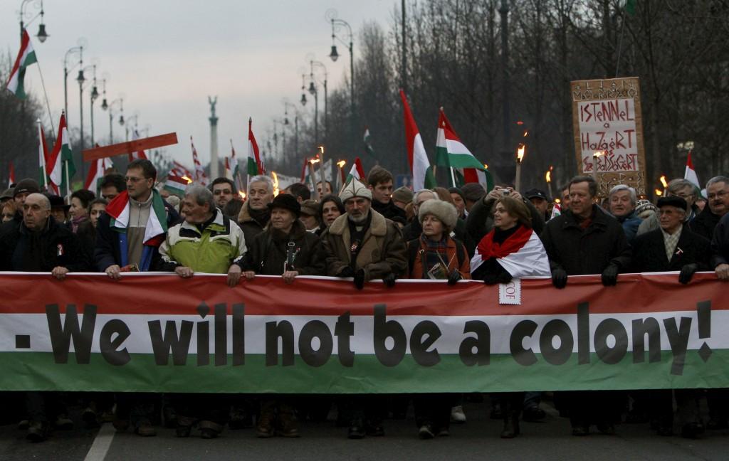 """""""Não seremos uma colónia"""", ouviu-se em Budapeste"""
