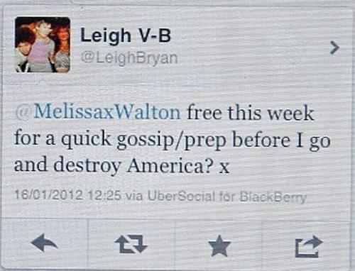 Piada no Twitter leva dois turistas britânicos para a cadeia nos Estados Unidos