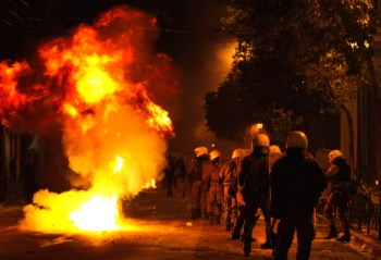 Protestos na Grécia contra os planos de austeridade