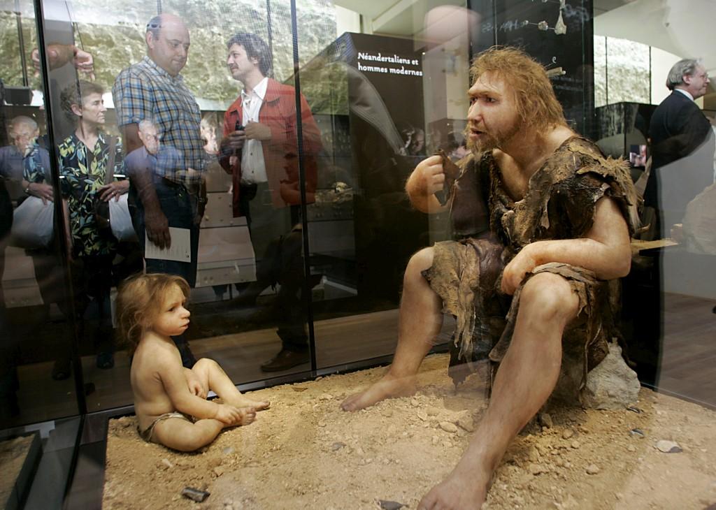 Representação de uma família de Neandertais