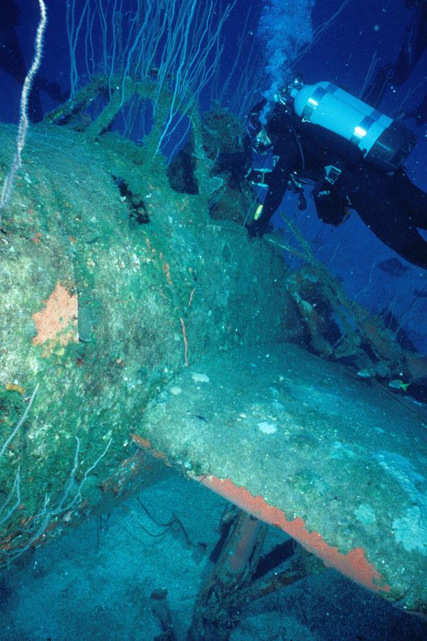 Avião do USS Saratoga no Atol de Bikini | Foto: Bikini Atoll