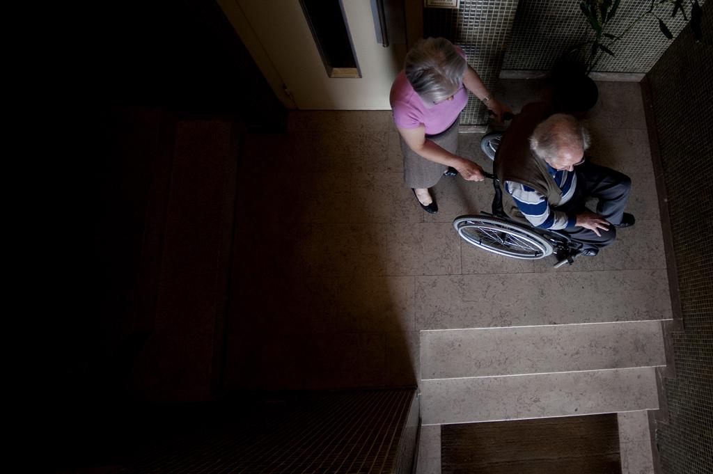 Apesar de o casal estar disposto a suportar os custos da rampa, o condomínio opõe-se à obra