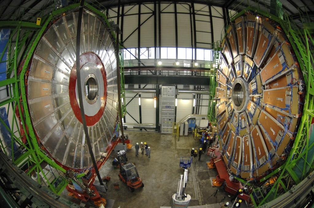 O físico usou, entre outros, dados do acelerador de partículas (LHC) instalado no CERN, na Suíça
