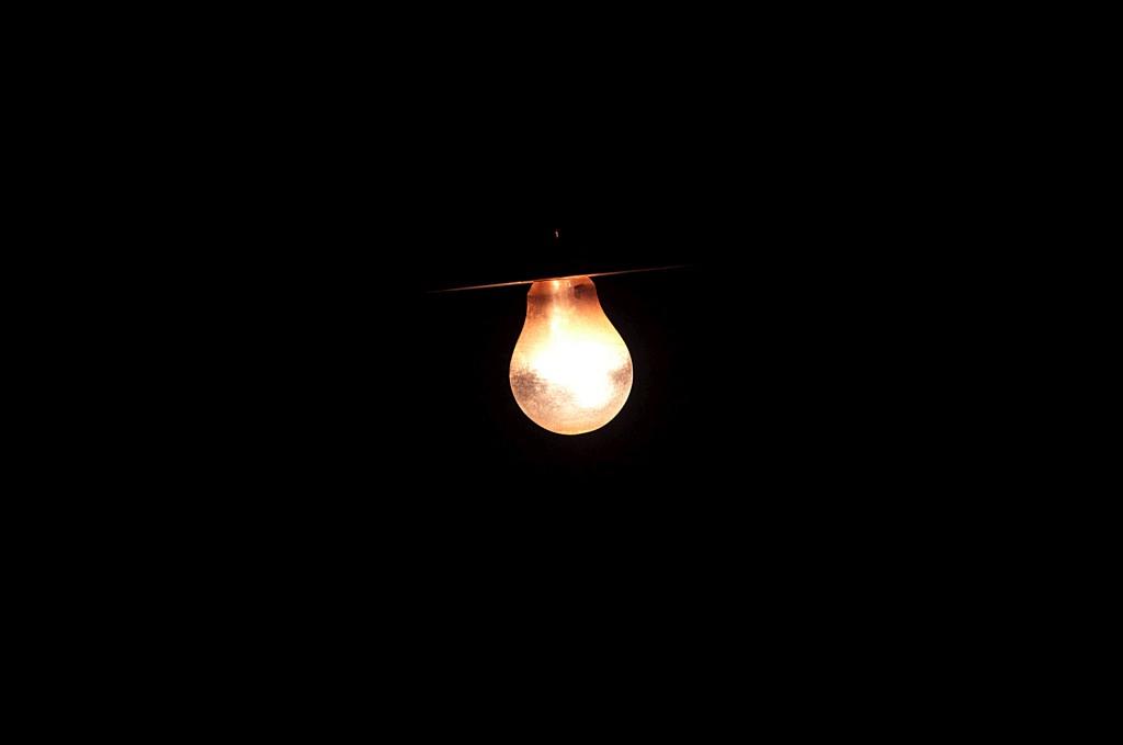 O fosfenismo acredita que é possível melhorar o comportamento e as notas graças à exposição a determinados tipos de luz