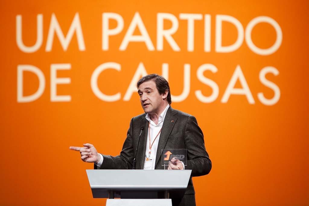 A direcção do PSD perdeu a maioria absoluta no Conselho Nacional ao conseguir apenas na lista 25 dos 70 lugares disponíveis neste órgão
