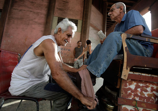 Engraxador nas ruas de Havana (Setembro 2010)