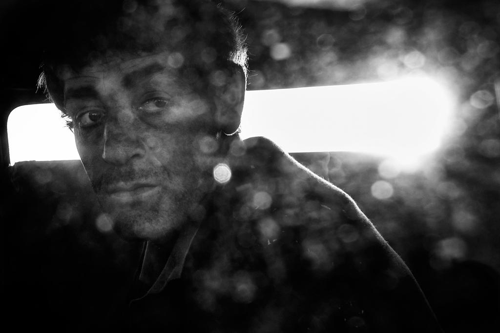 O trabalho de António Pedrosa retrata o quotidiano de uma comunidade de 120 ciganos do Bairro do Iraque, Carrazeda de Ansiães