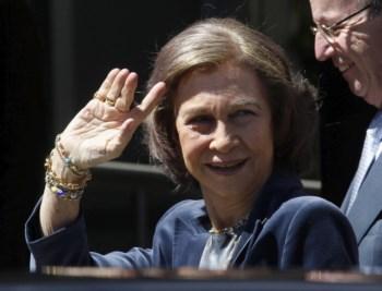 A rainha Sofia visitou hoje o rei Juan Carlos no hospital