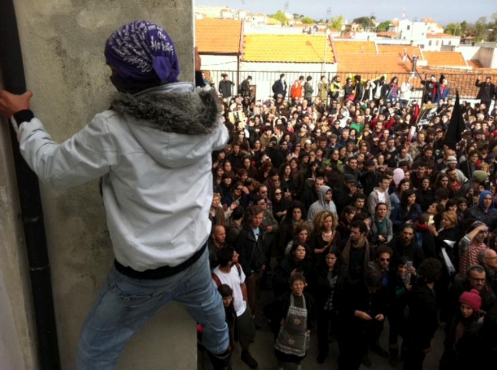 A escola da Fontinha foi ocupada a meio da tarde