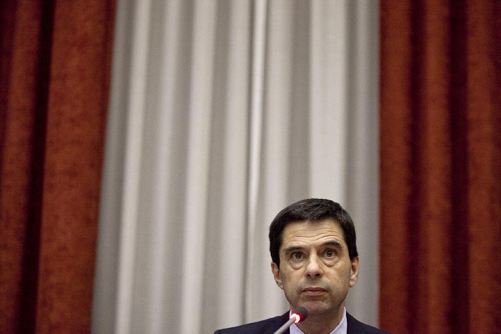 <p>Vítor Gaspar aponta para um crescimento da economia de 2,5% em 2016</p>